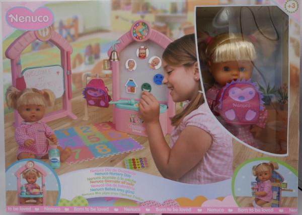 Nenuco nursery dag speelset.,met veel speelmogelijk heden.