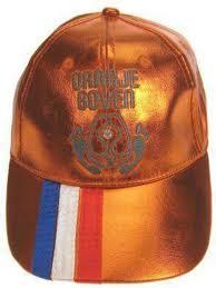 Oranje boven petje met elastiek achter.