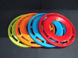 Frisbee in 3 kleuren verkrijgbaar.