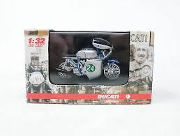 Ducati 250 bicilindrico 1960. miniatuur motor