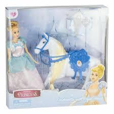 Princess Cinderella met haar paard.